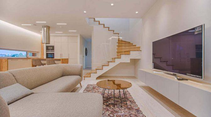 Czy szklana balustrada na schody jest dobrym pomysłem?